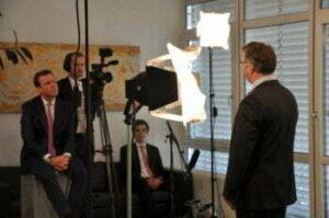 Bond Media Training cometis AG Investor Relations Consulting