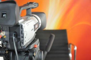 Bond-Medientraining mit der Investor Relations Agentur cometis AG